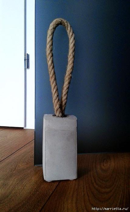 Подпорка для двери из бетона (5) (428x700, 185Kb)