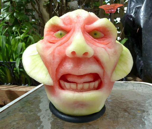 1404634270_pumpkin-carving (640x543, 350Kb)