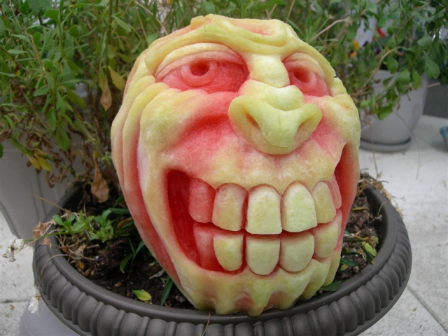 1404634413_monster-grin-pumpkin-carving (640x480, 312Kb)