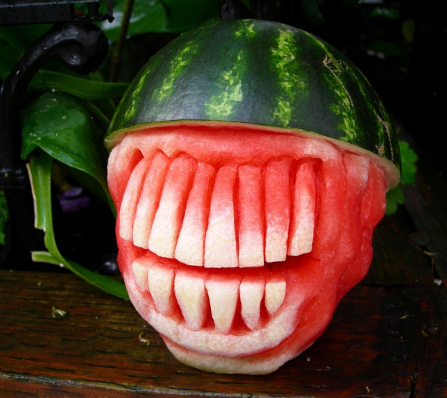 1404634449_spikehead-watermelon-2 (640x570, 363Kb)