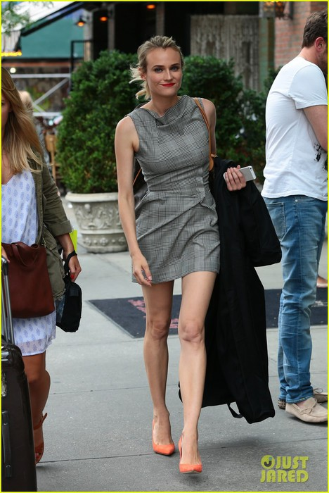 diane-kruger-wears-three-chic-dresses-in-one-morning-01 (468x700, 93Kb)