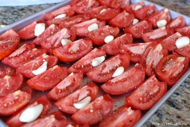 Вяленые помидоры с базиликом