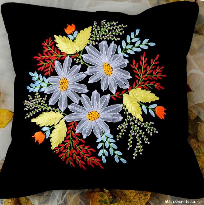 Вышивка лентами по декорированному холсту. Картины Натюрморты с цветами (43) (656x657, 286Kb)
