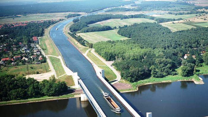 Magdeburg_Water_Bridge_01 (700x394, 94Kb)