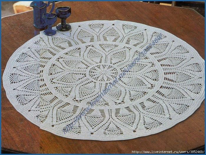 Круглая салфетка диаметр 54 см (700x528, 439Kb)
