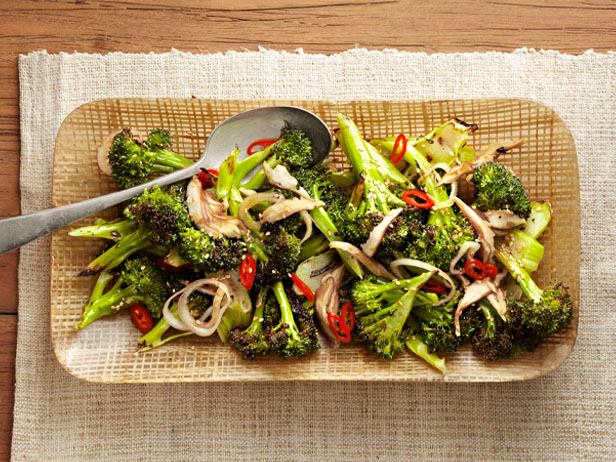 FNM_060112-Charred-Broccoli-Recipe_s4x3_lg (604x462, 360Kb)