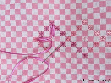 Как украсить полотенце вышивкой лентами. 4 мастер-класса (61) (450x338, 158Kb)