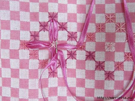 Как украсить полотенце вышивкой лентами. 4 мастер-класса (63) (450x338, 175Kb)