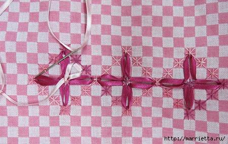Как украсить полотенце вышивкой лентами. 4 мастер-класса (65) (450x284, 141Kb)