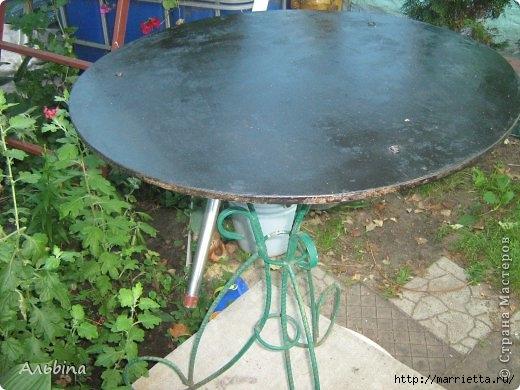 Декорирование круглого столика виниловыми салфетками (2) (520x390, 142Kb)