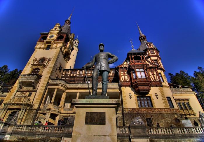 Замок Пелеш румыния фото 3 (700x487, 416Kb)