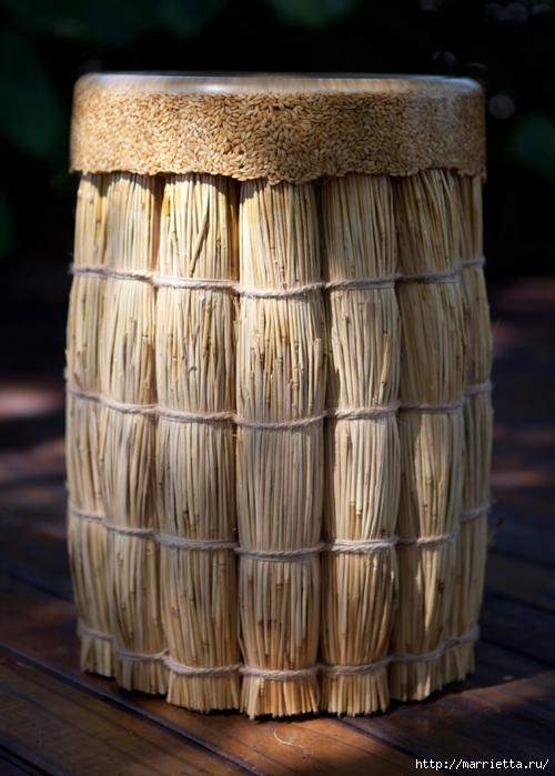 Стул из снопов соломы с интересным сиденьем (4) (500x700, 242Kb)