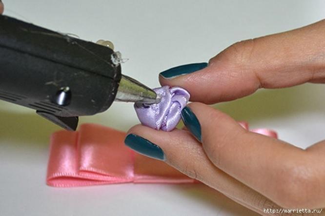Декорирование ободка для волос бантиком и розочкой из ленты (10) (666x443, 120Kb)
