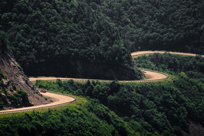 Самые красивые дороги мира 4 (700x466, 290Kb)
