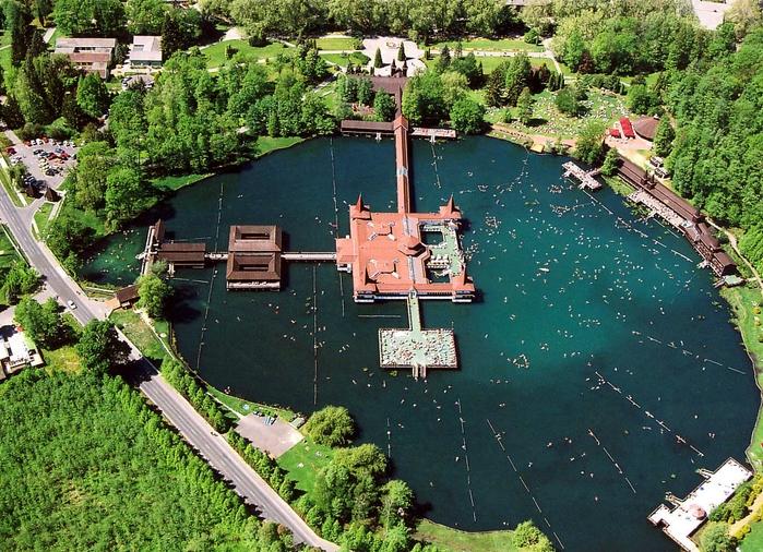 термальное озеро хевиз венгрия 1 (700x506, 394Kb)