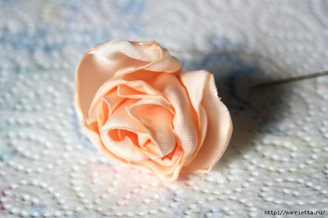Ванильные розы из шелка. Мастер-класс (24) (650x433, 164Kb)