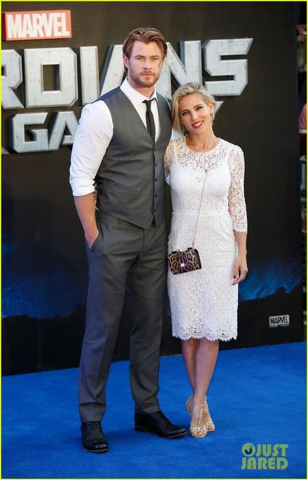 chris-hemsworth-supports-his-fellow-superheroes-at-guardians-of-the-galaxy-premiere-06 (450x700, 75Kb)