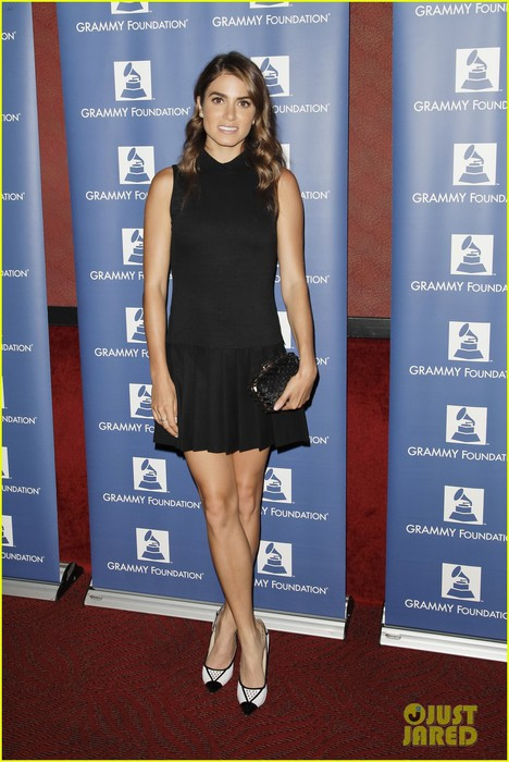 nikki-reed-grammy-party-day-wiith-ian-somerhalder-04 (468x700, 90Kb)