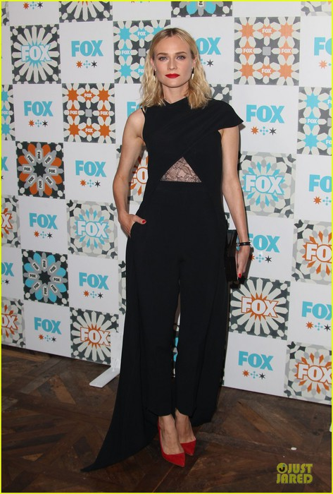 diane-kruger-adds-red-to-fox-summer-party-09 (473x700, 97Kb)