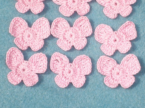 light_pink_cotton_crochet_applique_butterflies_--783_da77d436 (500x375, 255Kb)