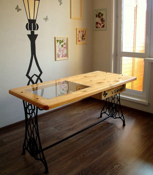 tables-ideas-of-repurpose-old-treadle-sewing-machine6-2 (525x600, 227Kb)
