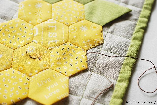 Стеганая салфетка с аппликацией ананаса. Лоскутное шитье (13) (640x429, 228Kb)