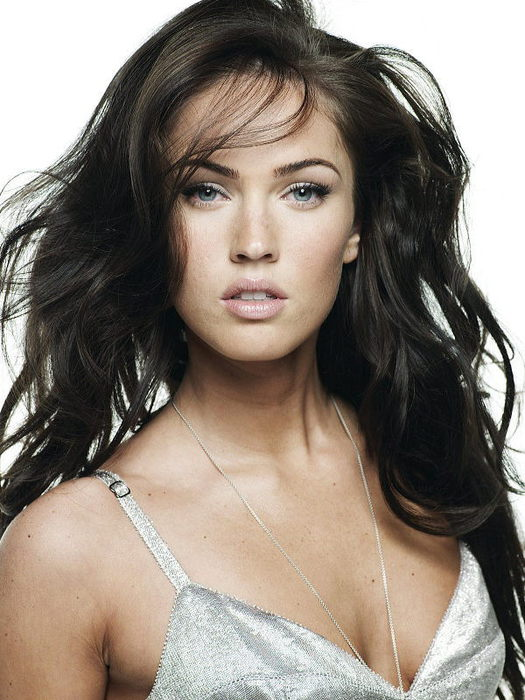 3352215_08070702_In_Touch_Weekly_Best_Breasts_in_Hollywood_09_Megan_Fox (525x700, 79Kb)