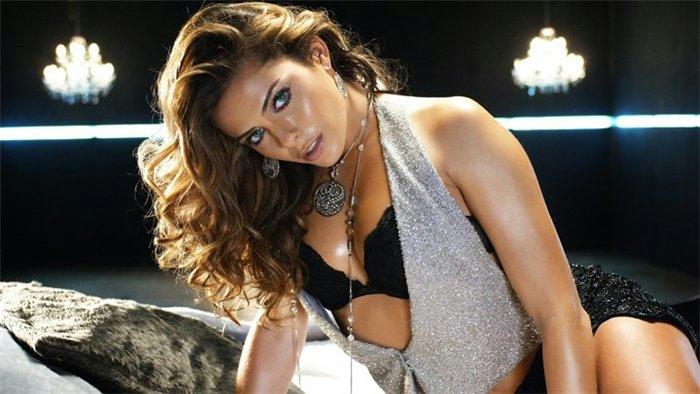 Clara morgane sexy girl