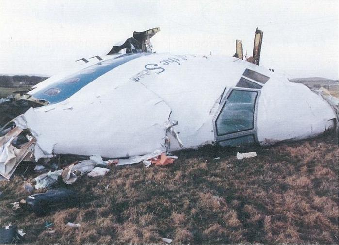 Pan_Am_Flight_103._Crashed_Lockerbie,_Scotland,_21_December_1988 (700x505, 246Kb)