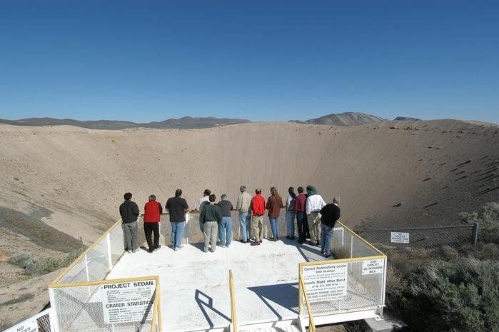 ядерный кратер седан фото 5 (700x465, 213Kb)