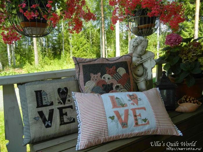Любовные подушки с аппликацией (1) (700x525, 368Kb)