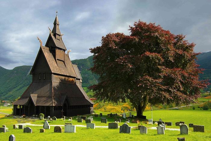 Ставкирка в Боргунде каркасные деревянные церкви норвегии 3 (700x468, 404Kb)