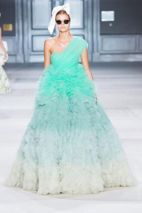 модное свадебное платье 9 (466x700, 229Kb)