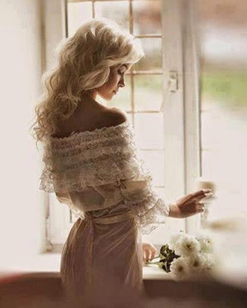 женщина в окне 2 (510x636, 158Kb)