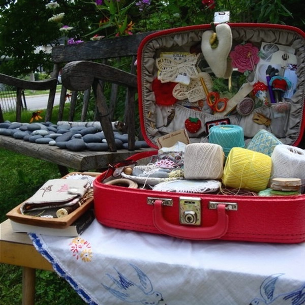 crafty-suitcase-ideas1-1 (600x600, 211Kb)