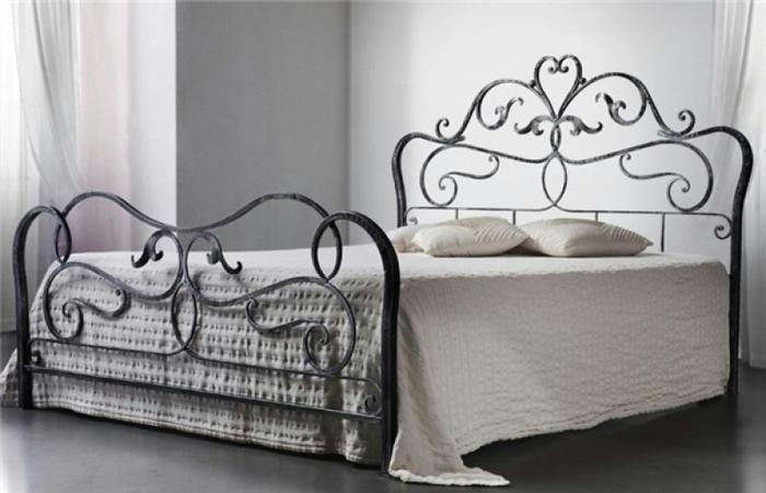 ажурная ковка, кованные работы, ковка в современном интерьере, кованные изделия на участке, кованая мебель, кованная кровать,