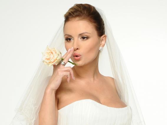 Анны Семенович отложила свою свадьбу   интервью