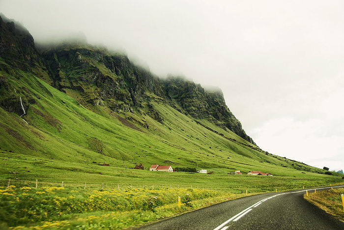 Iceland_Is_A_Miracle_Of_Nature_19 (700x468, 102Kb)