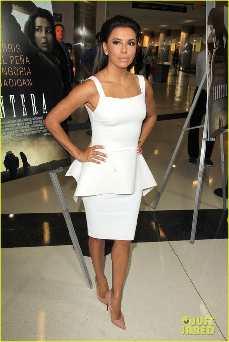eva-longoria-is-the-lady-in-white-at-frontera-l-a-premiere-12 (468x700, 83Kb)