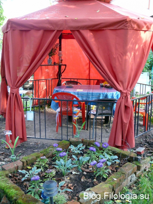 Красная беседка на садовом участке/3241858_sad16 (525x700, 335Kb)