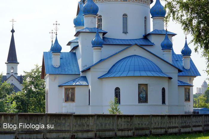 Церковь Рождества Христова в Петербурге - вид вблизи