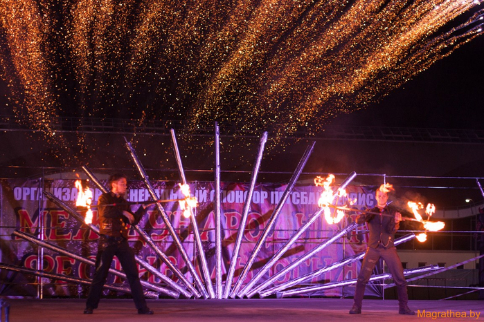 2014-08-23-fire-show-photo-by-viktorija-avlasevich (12) (700x466, 526Kb)
