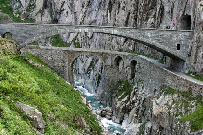 мост дьявола швейцария 2 (700x466, 256Kb)