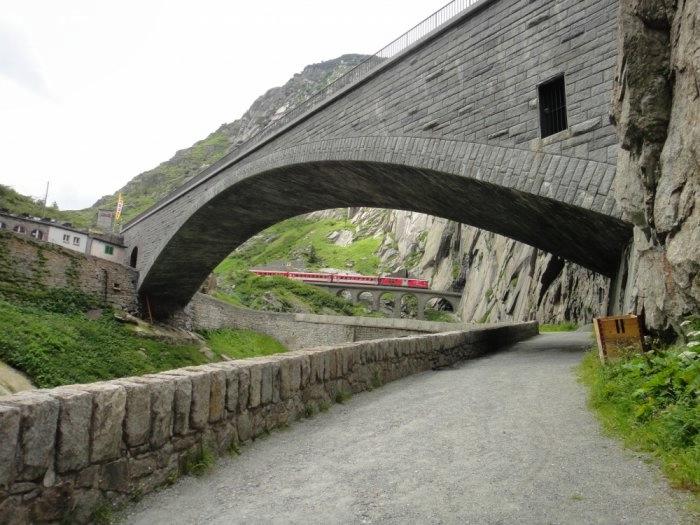 мост дьявола швейцария 10 (700x525, 188Kb)