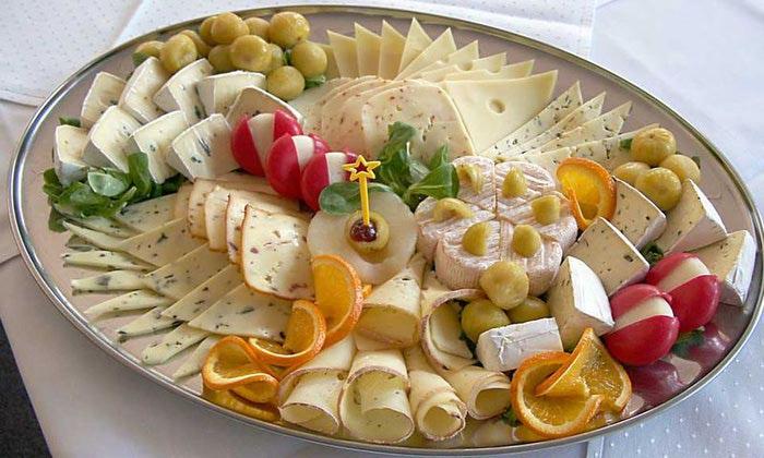 сырная тарелка украса 1 (700x420, 288Kb)