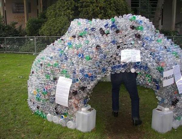Домик для ребенка из пластиковых бутылок своими руками