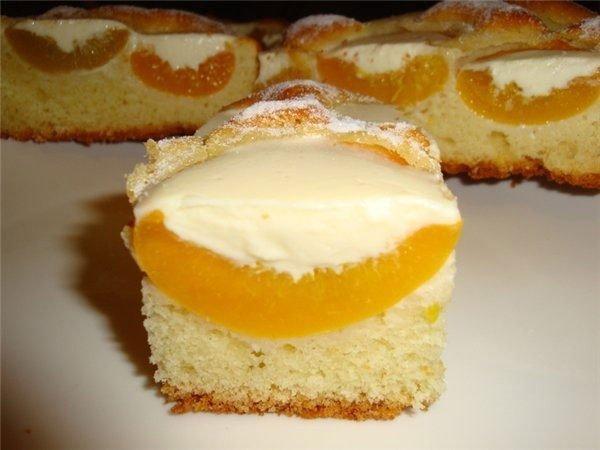 Персиковый пирог под сливочным кремом (600x450, 39Kb)