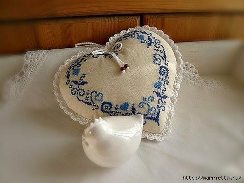 Пасхальные сердечки с вышивкой (2) (500x375, 100Kb)
