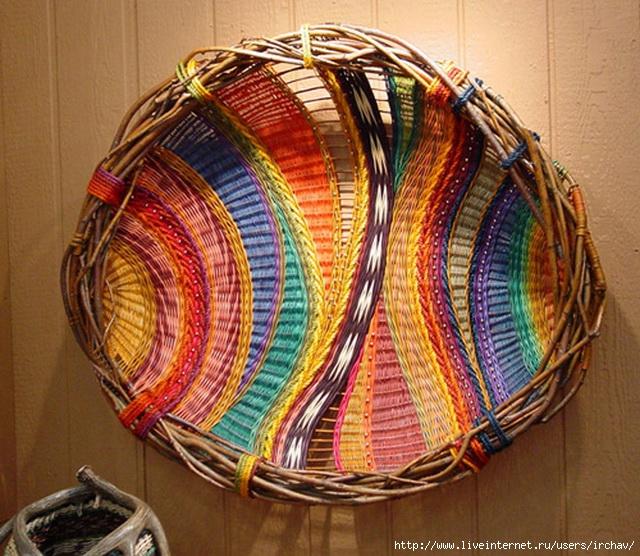 Плетение из трубочек подносы