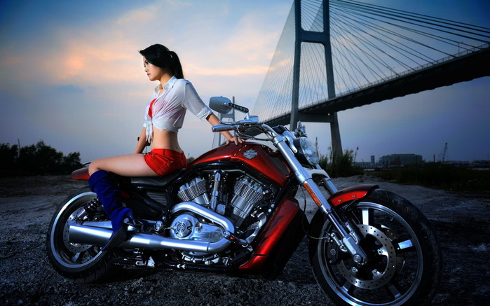 moto_and_girls7 (700x437, 135Kb)